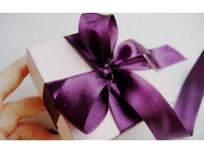 Учимся принимать подарки. Важные правила этикета.